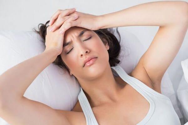 Thức khuya nóng trong người