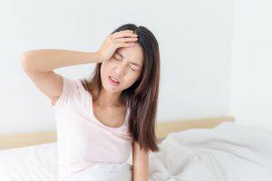 thức khuya không ăn sáng