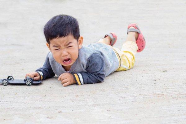 gãy xương đòn ở trẻ em